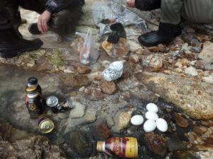 屈斜路湖で温泉卵
