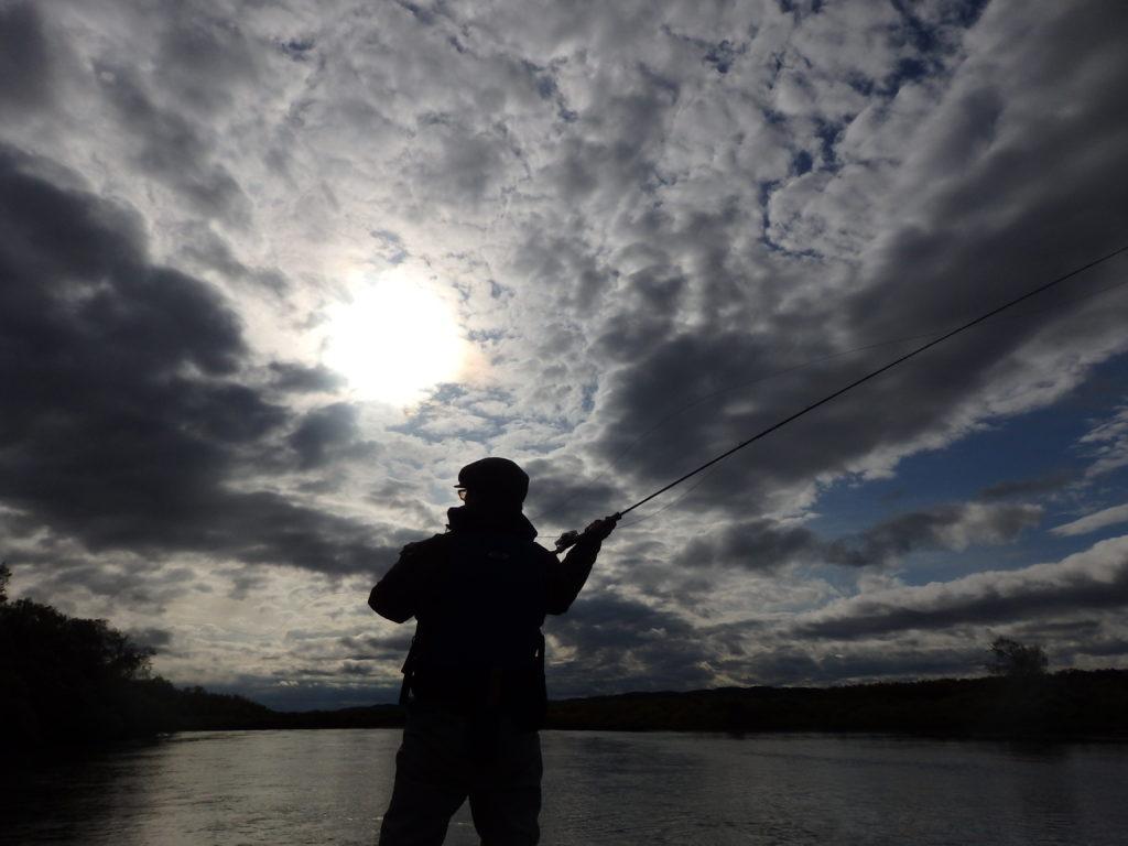 釧路川でカヌー釣りと秋の空